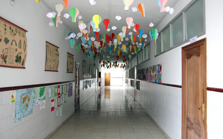 Pasillos Aulas Colegio San Isidoro Granada